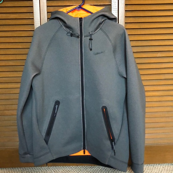 48831274 Nike Therma-Sphere Max Men's Hoodie size Large. M_5a53a9365521be26f700f196